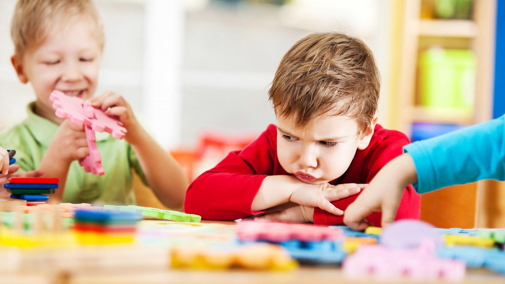 دعوای بین کودکان