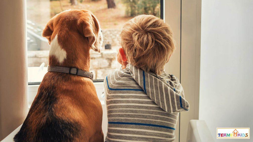 چه بازهی زمانی برای تنها ماندن کودکان در خانهمناسب است؟