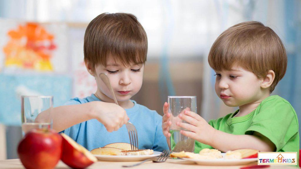 TermehKids Kids Nutrition 3 1024x576 - اهمیت تغذیه کودکان در هر سن