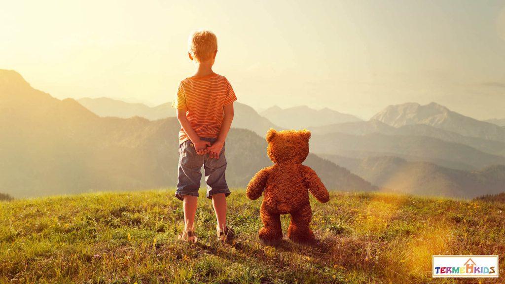 با دوست خیالی کودکان چه رفتاری باید داشت؟