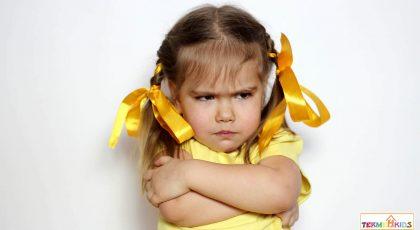 چگونه باید با کودک لوس خود برخورد کنیم؟