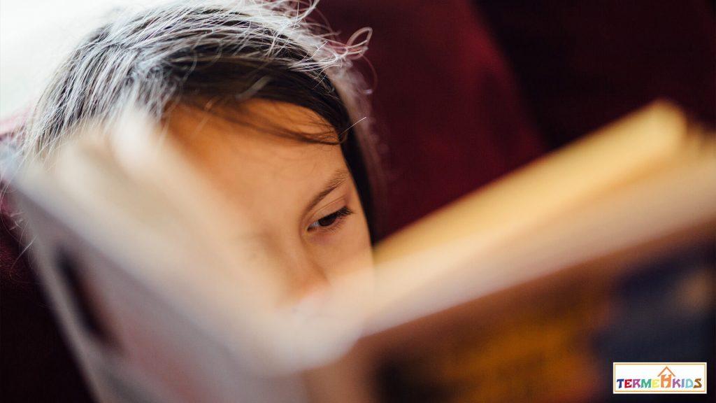 Child reader Termeh Kids 4 1024x576 - چطور یک کودک کتابخوان تربیت کنیم؟