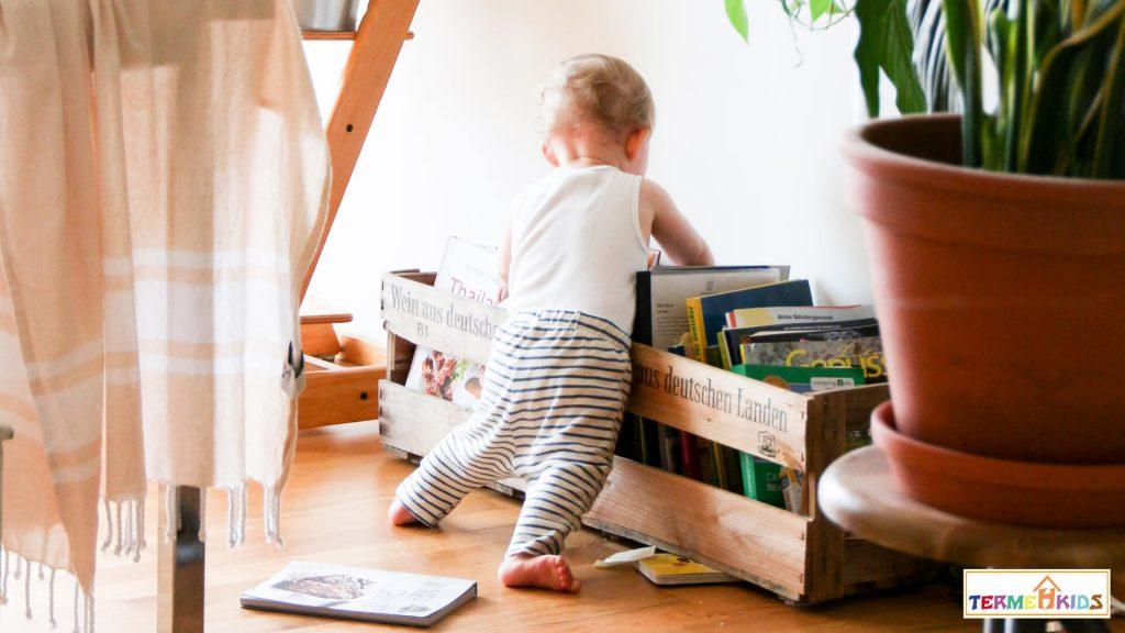 Child reader Termeh Kids 5 1024x576 - چطور یک کودک کتابخوان تربیت کنیم؟