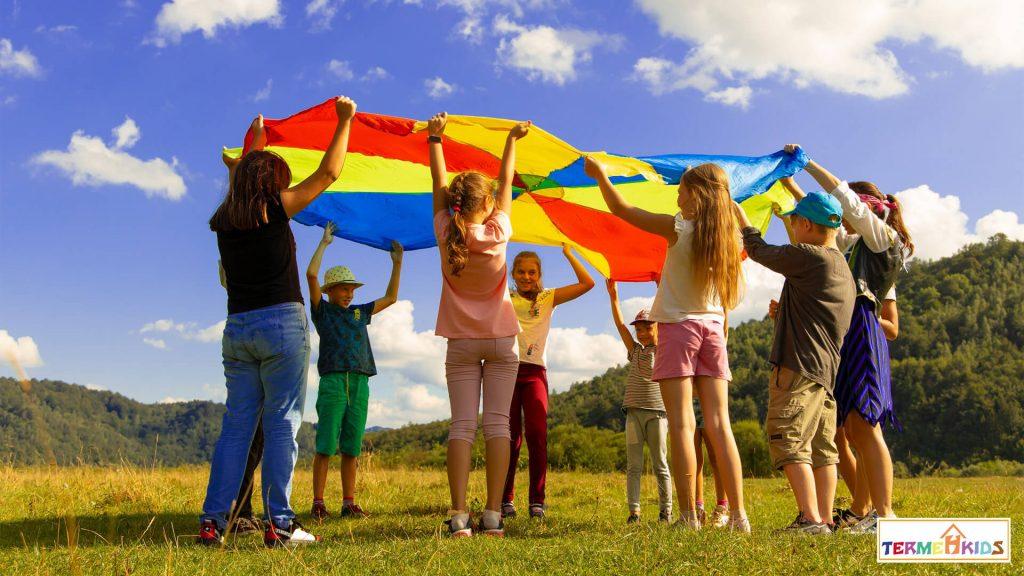 Childrens talent Termeh Kids 6 1024x576 - چگونه علایق شغلی و استعداد کودکان خود را کشف کنیم؟